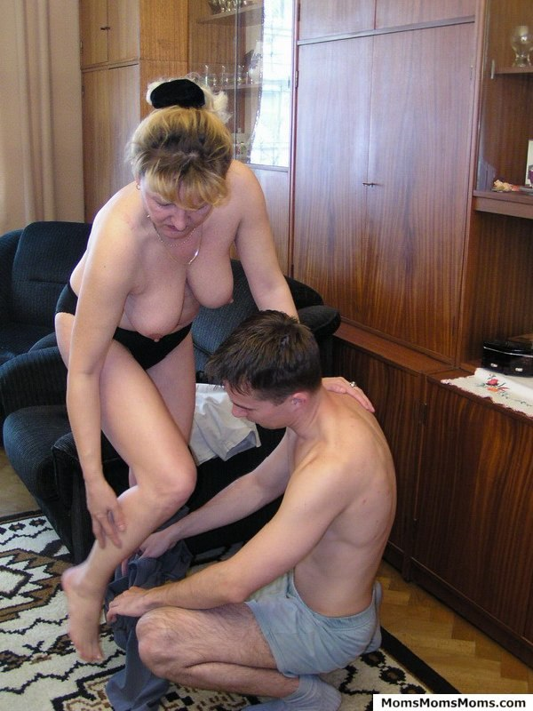 amateur mother and daughter fucking
